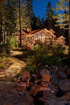 Adirondack style log home with great landscaping! So beautiful. #rustic #love of rustic