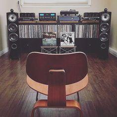 Personal audio Via: Sound Room, Music Studio Room, Music Rooms, Retro, Guitar Room, Vinyl Record Storage, Audio Room, Audio Design, Vinyl Music