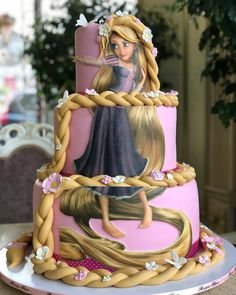 Ran on the lines – That is how woman Leinen styles properly – Pregnancyx. Rapunzel Flynn, Bolo Rapunzel, Rapunzel Birthday Cake, Beautiful Cakes, Amazing Cakes, Frugal Male Fashion, Tangled Party, Just Cakes, Creative Cakes