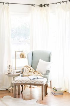 7 Must-Haves for Creating a Reading Nook - Sugar and Charm - sweet recipes - entertaining tips - lifestyle inspiration