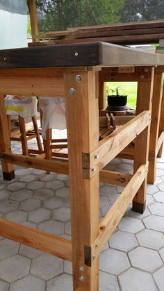 Building A Workbench, Diy Workbench, Diy Pallet Projects, Wood Projects, Woodworking Bench, Woodworking Projects, Furniture Makeover, Diy Furniture, Wood Joints