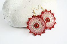 Crochet earring jewelry - Large crochet earring - Crochet earring - Pink, beige and red - Textile Jewelry - Round earrings