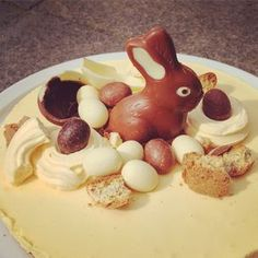 Advocaat paastaart Easter Buffet, Cheesecake, Baking Business, Easter Chocolate, High Tea, Sweet Recipes, Baking Recipes, Cupcake Cakes, Cupcakes