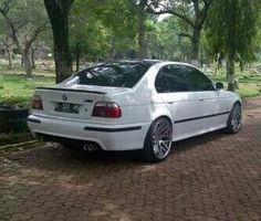 BMW E39 M5 white