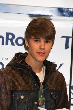 Justin Bieber... Yeah he's hott