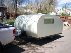 Learn how to build a teardrop camper trailer from the ground up that you can pull around on all of your adventures. Boler Trailer, Trailer Diy, Travel Trailer Remodel, Trailer Build, Camper Trailers, Travel Trailers, Teardrop Camper Trailer, Tiny Camper, Camper Caravan