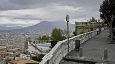 Campania. Una terra ricca e fertile, come di norma sono le aree laviche. Prodotti genuini da scoprire.E le cento ville del Miglio d'Oro