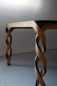 Table twisted legs. #details