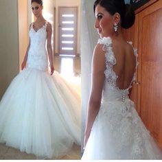 2017 Open Back Wedding Gowns V-Neck Elegant Appliques Wedding Dress Wedding Dresses. DB0082