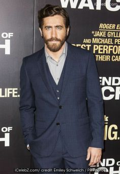 Jake Gyllenhaal  Gets Rid Off His Beard http://icelebz.com/celebs/jake_gyllenhaal/photo14.html