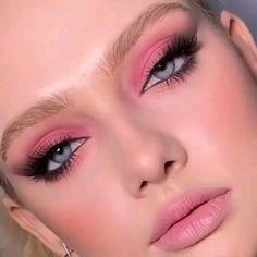 Makeup Eye Looks, Creative Makeup Looks, Eye Makeup Art, Pink Makeup, Crazy Makeup, Eyeshadow Makeup, Young Makeup Looks, 70s Makeup Look, Fresh Makeup Look