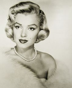 The beautiful Miss Marilyn/ Norma Jean Old Hollywood Glamour, Vintage Glamour, Classic Hollywood, Vintage Hollywood, 50s Glamour, Hollywood Divas, Hollywood Actresses, Vintage Style, Gentlemen Prefer Blondes