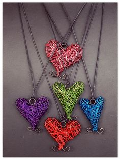Wire Wrapped Jewelry, Wire Jewelry, Jewelry Art, Crafts To Make, Arts And Crafts, Nail Polish Flowers, Fork Art, Simple Bracelets, Wire Pendant