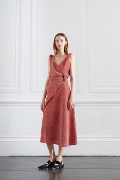 Victoria Beckham Resort 2016 - Collection - Gallery - Style.com  http://www.style.com/slideshows/fashion-shows/resort-2016/victoria-beckham/collection/13
