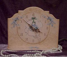 Заготовка ЧАСЫ: «Бальзаковский возраст» http://dcpg.ru/blogs/5144/ Click on photo to see more! Нажмите на фото чтобы увидеть больше! decoupage art craft handmade home decor DIY do it yourself clock prints acrylic paints varnish