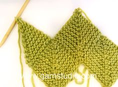 DROPS Knitting Tutorial: How to work a half domino square (vertical).