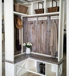 80 Modern Farmhouse Mudroom Entryway Ideas - Decorating Ideas - Home Decor Ideas and Tips Mudroom, Room Design, Home Remodeling, Mudroom Design, Home Decor, Room Remodeling, Laundry Room Remodel, Mudroom Lockers, Entryway