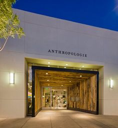 Albuquerque Anthropologie by EOA / Elmslie Osler Architect