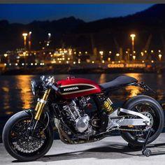 Honda particular cafe racer – RocketGarage – Cafe Racer Journal - Autos Online Cb750 Cafe Racer, Scrambler, Cafe Racer Build, Motos Vintage, Vw Vintage, Modern Cafe Racer, Custom Cafe Racer, Retro Bikes, Retro Motorcycle