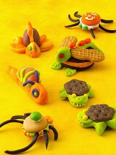 Easy Halloween Party Snacks   Midwest Living~T~ The little bugs are so cute. Made with store bought cookies, edible clay (recipe included) store bought frosting(could make your own) and candies. The kids would love these. Fun to make with kids at a Halloween Party. Halloween Party Snacks, Halloween Sweets, Easy Halloween, Halloween Candy, Halloween Goodies, Halloween Stuff, Healthy Halloween, Halloween Recipe, Holidays Halloween