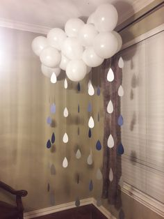Cloud and Raindrops, is a great baby shower or bridal shower addition to your gift area or games prizes area. - 12 Balloons (your color of choice) - Each balloon is 12 - 7 Garlands of rain drops (your color of choice in ombre) - Each garland ranges from 4 to 6 feet long - Each garland is machine sewn together _______________________________________ *The balloons can be blown up by you, if you can hang them from the ceiling or the wall, if not, depending on the venue, you would need a…
