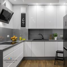 Find the best kitchen design, ideas & inspiration to match your style. Browse through images of kitchen islands & cabinets to create your perfect home. Kitchen Room Design, Best Kitchen Designs, Modern Kitchen Design, Home Decor Kitchen, Interior Design Kitchen, Kitchen Ideas, Glossy Kitchen, Modern Kitchen Cabinets, Kitchen Flooring