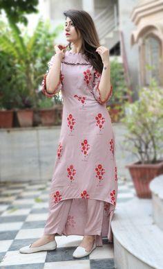Designer Kurtis for Women in Fashion 2019 - Kurti Blouse Salwar Designs, Kurti Neck Designs, Kurta Designs Women, Dress Neck Designs, Latest Kurti Designs, Pakistani Dresses, Indian Dresses, Indian Outfits, Kurti Sleeves Design