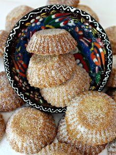 Bosnian Butter Cookies (Šape) are a crunchy, buttery, shortbread with a light lemon flavor. Delicious with coffee, tea, or milk! Bosnian Recipes, Croatian Recipes, Croatian Cuisine, Albanian Recipes, Hungarian Recipes, Jewish Recipes, Baking Recipes, Cookie Recipes, Dessert Recipes