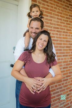 maternity pictures with siblings and husband - Google Search