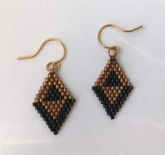 Miyuki Delica noir et diamant en or en forme de boucles