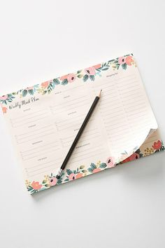 Such a cute meal planner! I should really work on meal planning around here! Rifle Paper Co. Farm Fresh Weekly Meal Planning Pad  #ad #mealplanner #organization