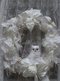 Gorgeous white winter owl wreath