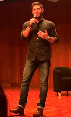 "#AHBL6 Sydney 2015 ""I was there. He kicked the chair back and walked that stage, owning it. I love this man so much and I can't wait to meet him again. Great day!"" ~ Sylvia Hientz"