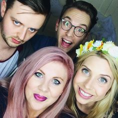 """I just freakin love this photo with @sprinkleofglitr @funnycatvideos & @jackhoward! Best. Weekend. Ever. Yeah Louise, you heard me!"""