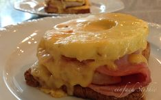 Retro kochen mit frischen Zutaten: mein Toast Hawaii   http://einfachstephie.de/2014/09/19/retro-kochen-toast-hawaii/