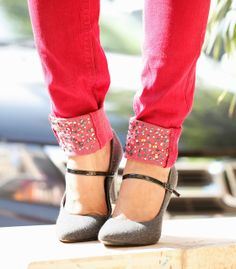 """Wanna stand out from the crowd? Add a bit of """"sparkle"""" to your Jeans.  http://www.spiceupboringlife.com/2013/10/diy-jazz-up-jeans-for-festive-season.html"""