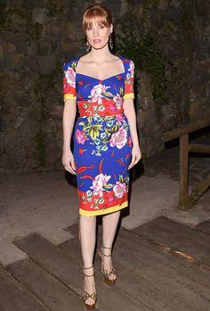 Jessica Chastain de Dolce & Gabbana e sandálias Charlotte Olympia