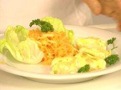 Rahmnudeln (Fideos rellenos) con ensalada de zanahorias