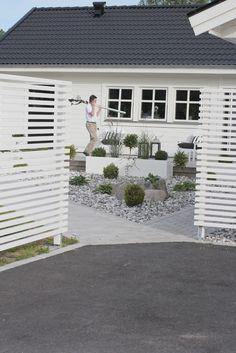VÄLKOMMEN HEM! French Country Kitchens, Outdoor Areas, Garden Inspiration, Exterior Design, Modern Farmhouse, Garden Design, Home And Garden, Backyard, Outdoor Decor