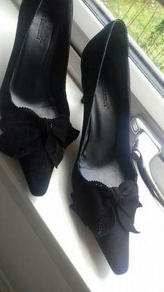 3ce17f1197b LK BENNETT Black Suede Shoes Bow Trim Kitten Heel - Size UK 3.5 - Kitten  Heels