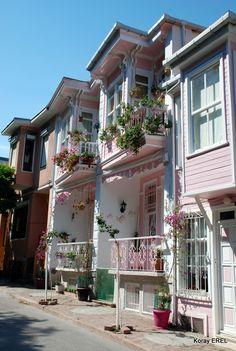 Turkish traditional houses - İkiz Evler Heybeliada ,Istanbul