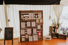 Wooden Palette & Vintage Frames Table Plan