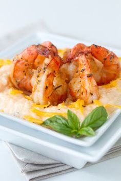 Easy Slow Cooker Cheesy Grits & Butter Garlic Shrimp