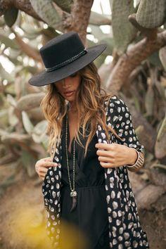 Boho Look | Bohemian boho style hippie chic bohème vibe gypsy fashion indie folk the 70s festival style Coachella fashion