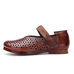 7e80ed849c0 SOCOFY Retro Hollow Out Pattern Hook Loop Soft Flat Leather Shoes