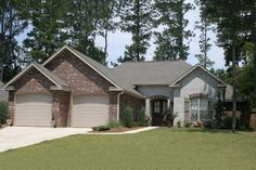 Traditional Style House Plan - 4 Beds 2.50 Baths 2175 Sq/Ft Plan #430-75 Exterior - Front Elevation - Houseplans.com