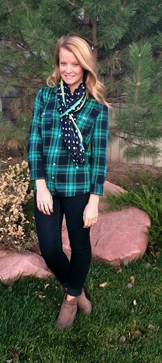 Sweet Bananie - lots of navy. plaid + polka dots with skinny jeans & booties #printmixing #navyblue #styleblog