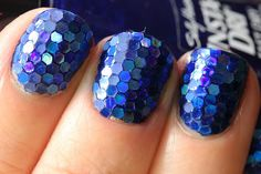 Mosaic Nails / Mermaid Tail Nails Tutorial.  How freaking awesome looking is that?! Created by PolishAllTheNails