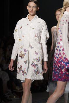 Lie Sangbong Spring/Summer 2015 Collection | Mercedes-Benz New York Fashion Week | Moda & Estilo