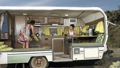 Cómo reparar el interior de una casa rodante Trailers, Camping, Bass, Teardrop Camper Plans, Home Plans, Brick Exteriors, Facades, Mobile Homes, Home Improvements